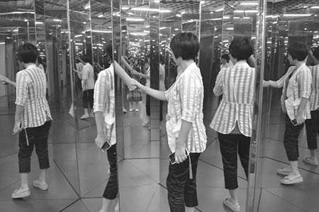 """汕头:科技馆将推出""""镜子迷宫"""""""